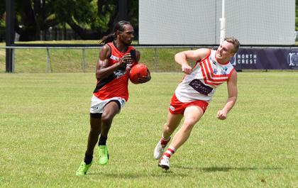 Tiwi Bombers out-running Waratah
