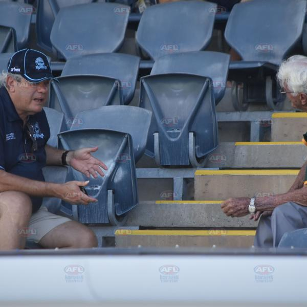 Club stalwarts John Paterson and Vic Ludwig have a chat