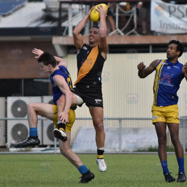 Cameron Ilett marks the ball in the forward line
